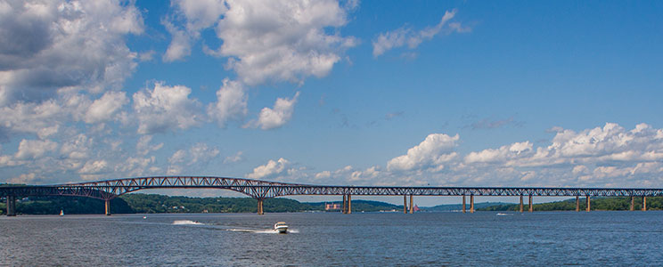 Beacon Bridge over Hudson River
